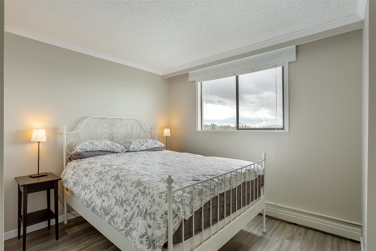 "Photo 18: 1507 145 ST. GEORGES Avenue in North Vancouver: Lower Lonsdale Condo for sale in ""TALISMAN TOWERS"" : MLS® # R2203430"