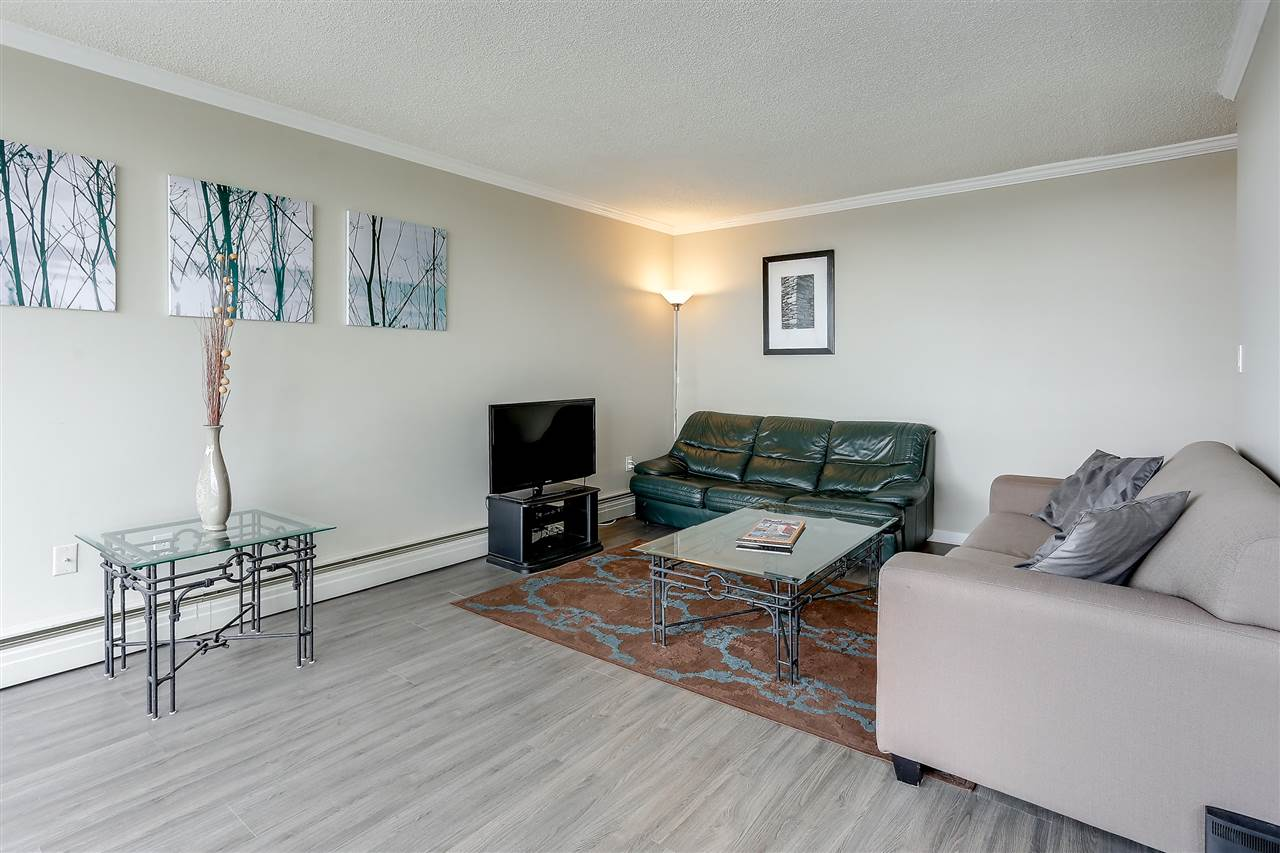 "Photo 10: 1507 145 ST. GEORGES Avenue in North Vancouver: Lower Lonsdale Condo for sale in ""TALISMAN TOWERS"" : MLS® # R2203430"