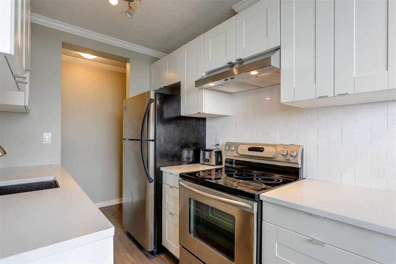 "Photo 14: 1507 145 ST. GEORGES Avenue in North Vancouver: Lower Lonsdale Condo for sale in ""TALISMAN TOWERS"" : MLS® # R2203430"