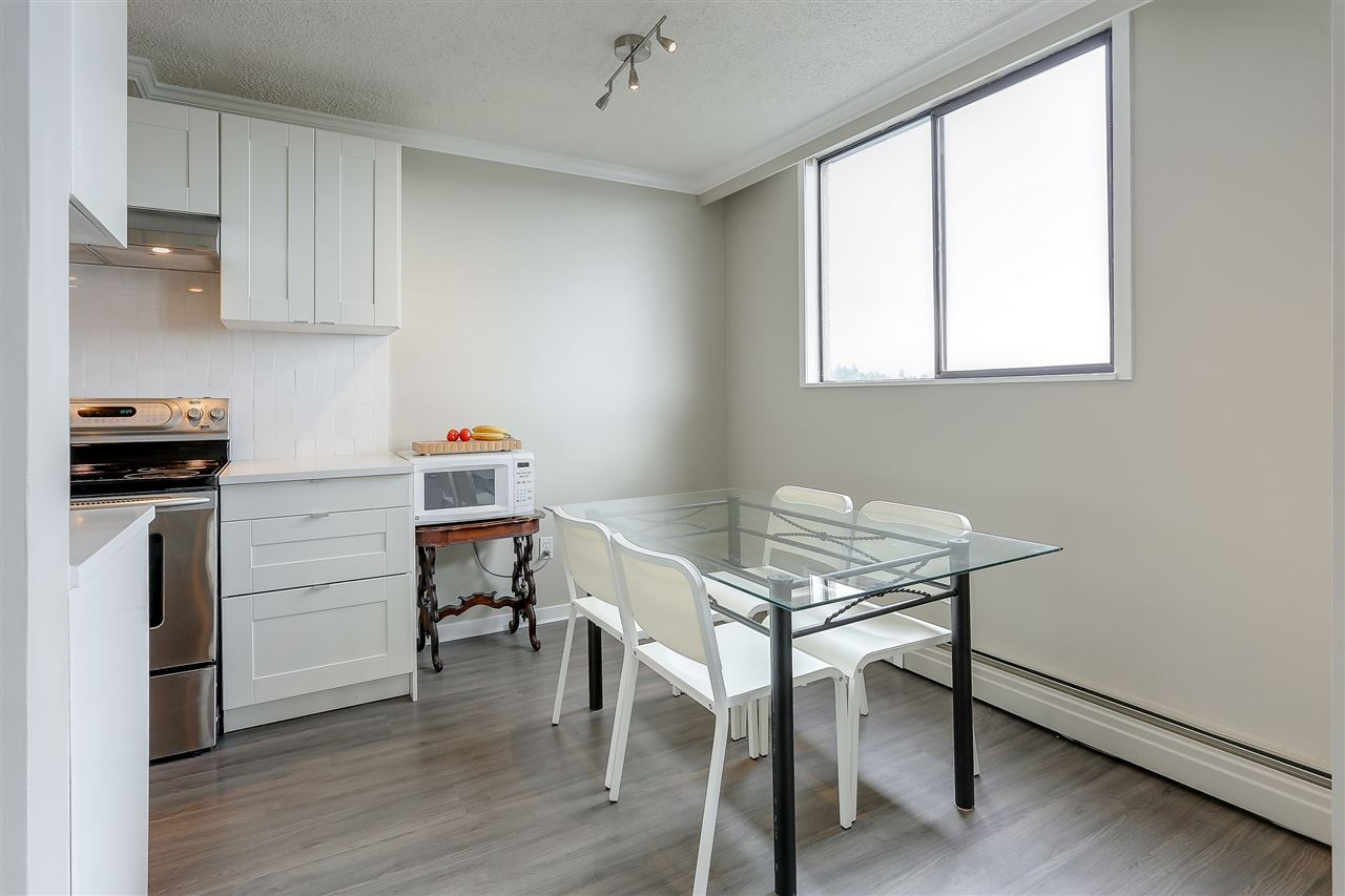 "Photo 12: 1507 145 ST. GEORGES Avenue in North Vancouver: Lower Lonsdale Condo for sale in ""TALISMAN TOWERS"" : MLS® # R2203430"