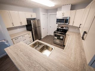 Main Photo: 19 1179 SUMMERSIDE Drive in Edmonton: Zone 53 Carriage for sale : MLS® # E4084804