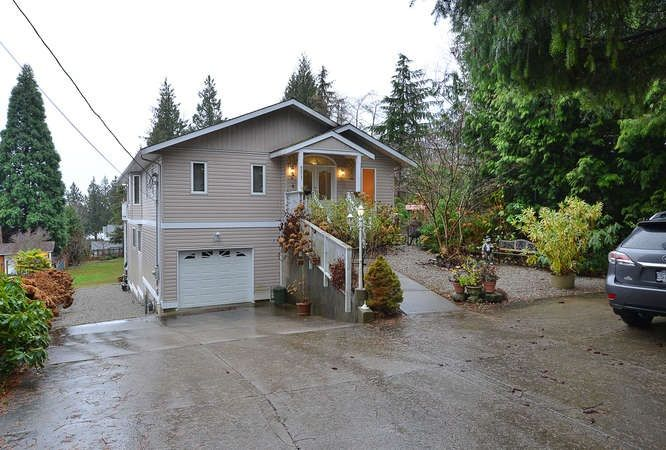 "Photo 2: Photos: 6217 NORWEST BAY Road in Sechelt: Sechelt District House for sale in ""WEST SECHELT"" (Sunshine Coast)  : MLS®# R2230873"