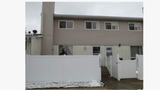 Main Photo: 14533 121 Street NW in Edmonton: Zone 27 Townhouse for sale : MLS®# E4101994