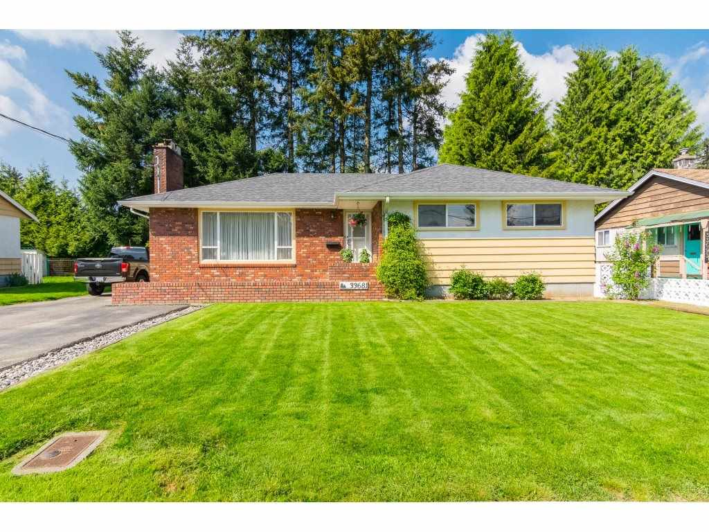 Main Photo: 33681 MAYFAIR Avenue in Abbotsford: Central Abbotsford House for sale : MLS®# R2264850