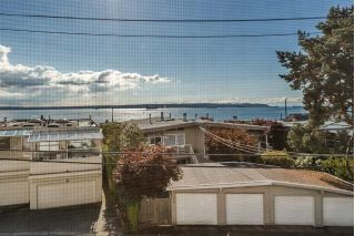 Main Photo: 2338 MARINE Drive in West Vancouver: Dundarave House 1/2 Duplex for sale : MLS®# R2271330