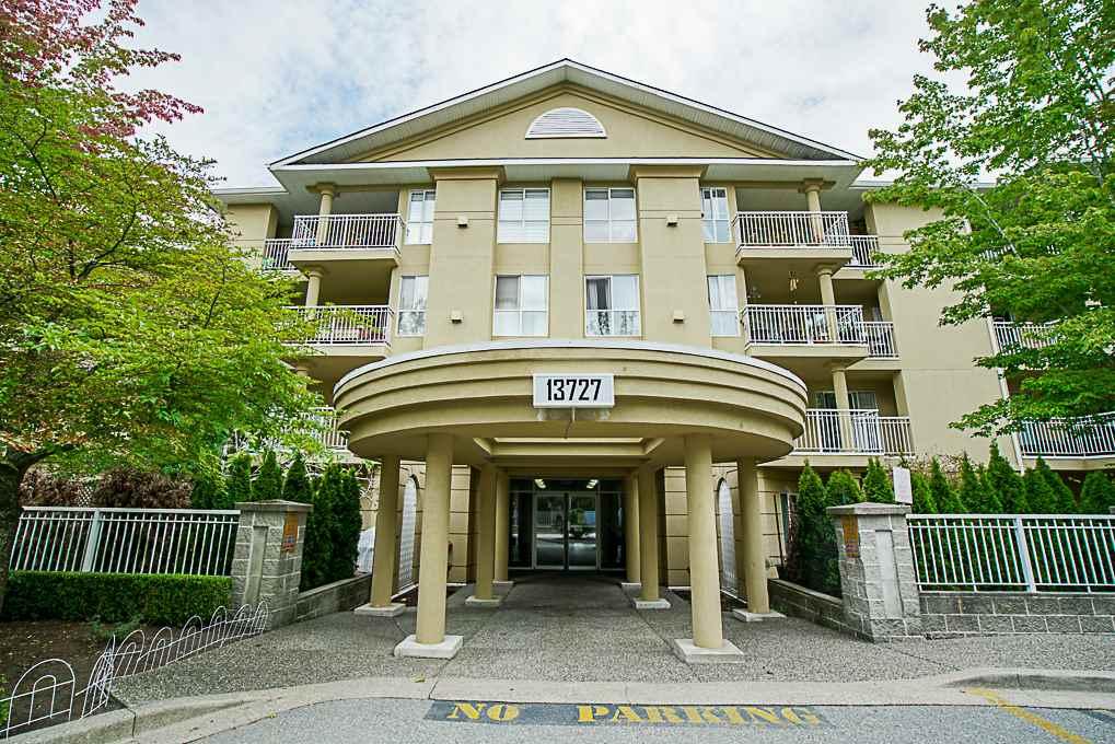 "Main Photo: 305 13727 74 Avenue in Surrey: East Newton Condo for sale in ""King's Court"" : MLS®# R2306666"