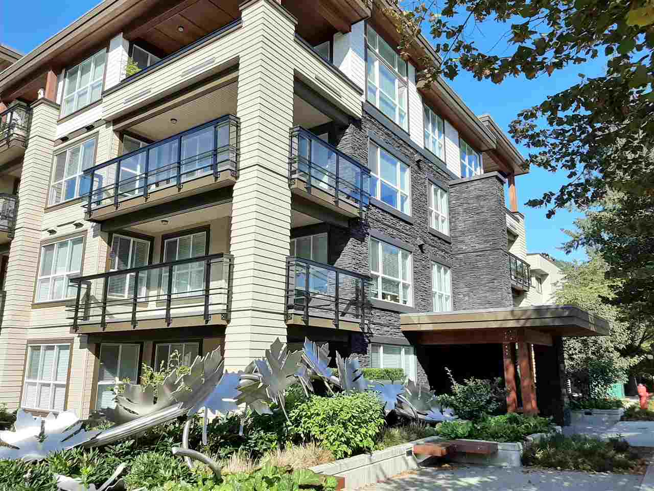 FEATURED LISTING: 301 3205 MOUNTAIN Highway North Vancouver