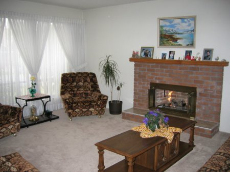 Photo 2: 6321 Beechwood Street: House for sale (Sunshine Hills/Woods)