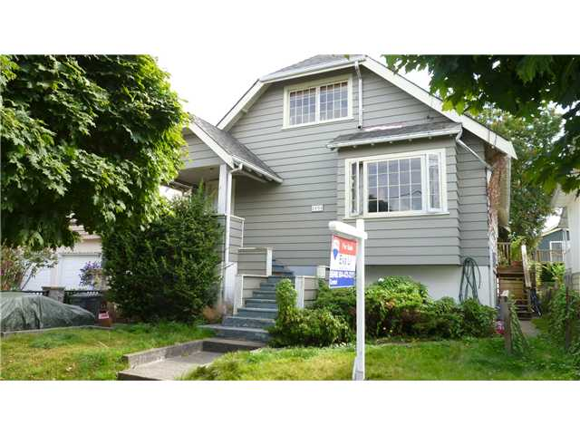 "Photo 3: 2134 E 35TH Avenue in Vancouver: Victoria VE House for sale in ""VICTORIA"" (Vancouver East)  : MLS® # V905655"