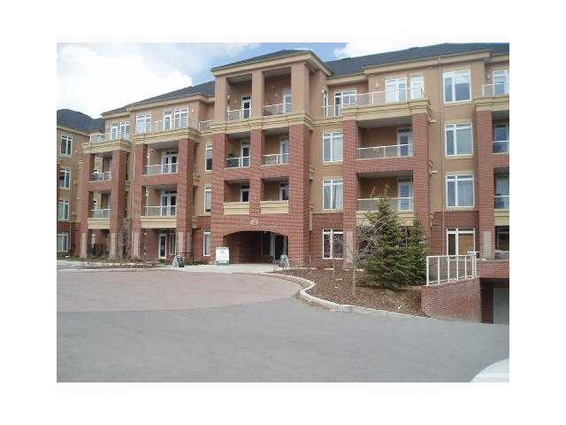 Main Photo: 201 10 HEMLOCK Crescent SW in CALGARY: Spruce Cliff Condo for sale (Calgary)  : MLS® # C3607807