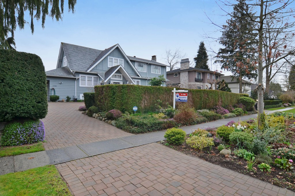 Photo 2: 5788 ANGUS Drive in Vancouver: South Granville House for sale (Vancouver West)  : MLS® # V1109645