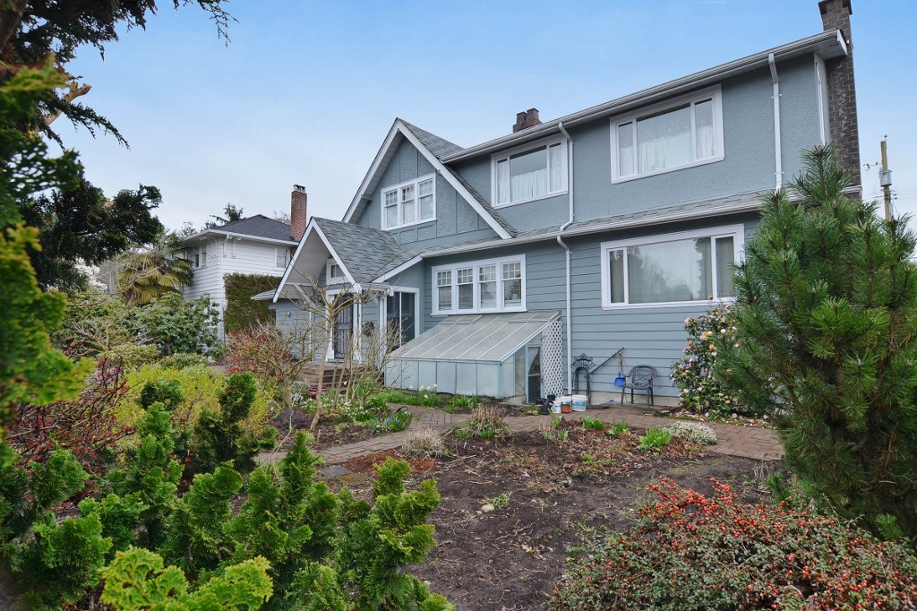 Photo 3: 5788 ANGUS Drive in Vancouver: South Granville House for sale (Vancouver West)  : MLS® # V1109645