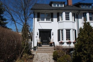 Main Photo: 46 Montclair Avenue in Toronto: Forest Hill South House (2 1/2 Storey) for lease (Toronto C03)  : MLS®# C3229487