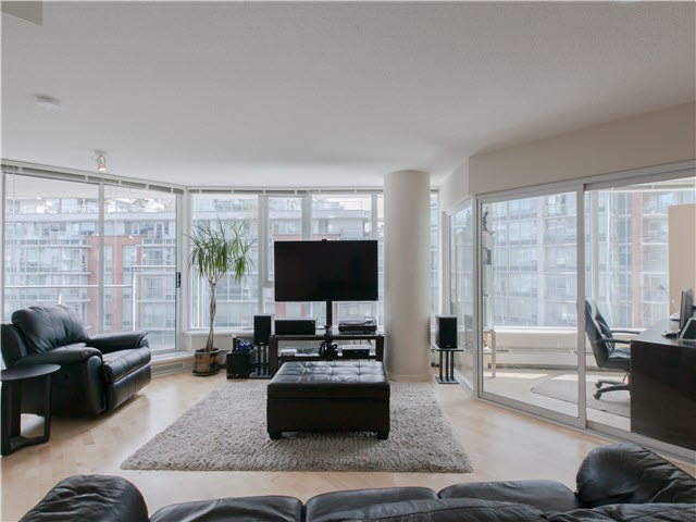 Main Photo: 502 689 ABBOTT Street in Vancouver: Downtown VW Condo for sale (Vancouver West)  : MLS® # V1141616