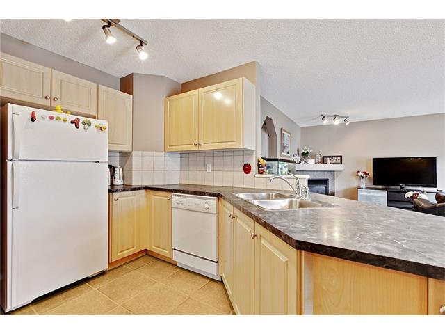 Photo 10: 50 PANAMOUNT Gardens NW in Calgary: Panorama Hills House for sale : MLS® # C4067883