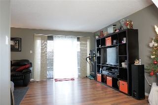 Main Photo: 11C Meadowlark Village in Edmonton: Zone 22 Townhouse for sale : MLS(r) # E4045610
