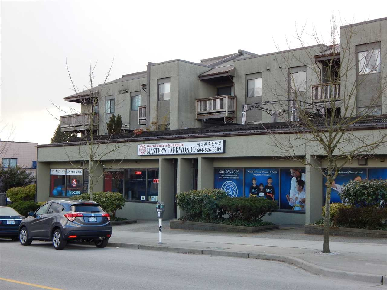 "Main Photo: 102 836 TWELFTH Street in New Westminster: West End NW Condo for sale in ""LONDON PLACE"" : MLS(r) # R2141065"