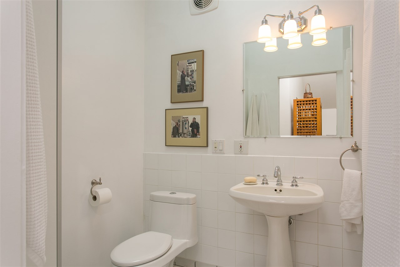 Photo 14: 2239 TRAFALGAR Street in Vancouver: Kitsilano House for sale (Vancouver West)  : MLS® # R2143876