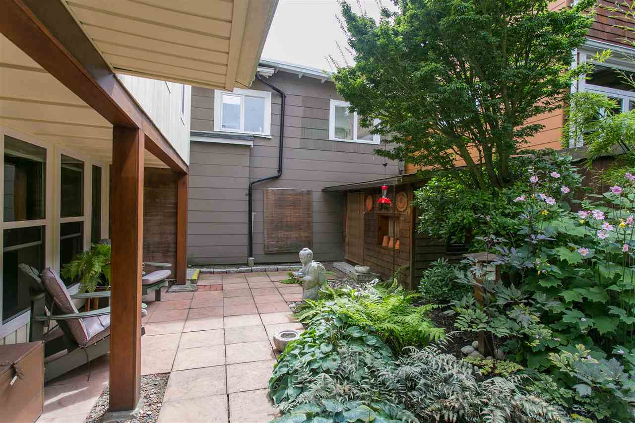 Photo 19: 2239 TRAFALGAR Street in Vancouver: Kitsilano House for sale (Vancouver West)  : MLS® # R2143876