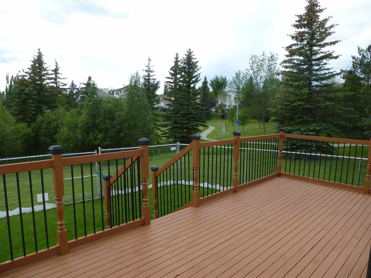Photo 3: 315 ORMSBY Road in Edmonton: Zone 20 House for sale : MLS(r) # E4059577