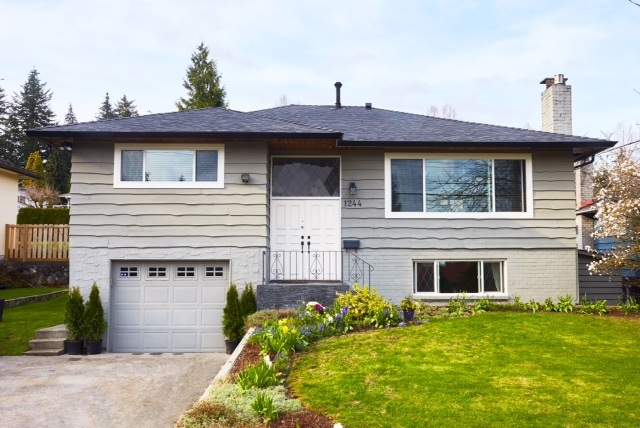 Main Photo: 1244 E 16TH Street in North Vancouver: Westlynn House for sale : MLS(r) # R2156259
