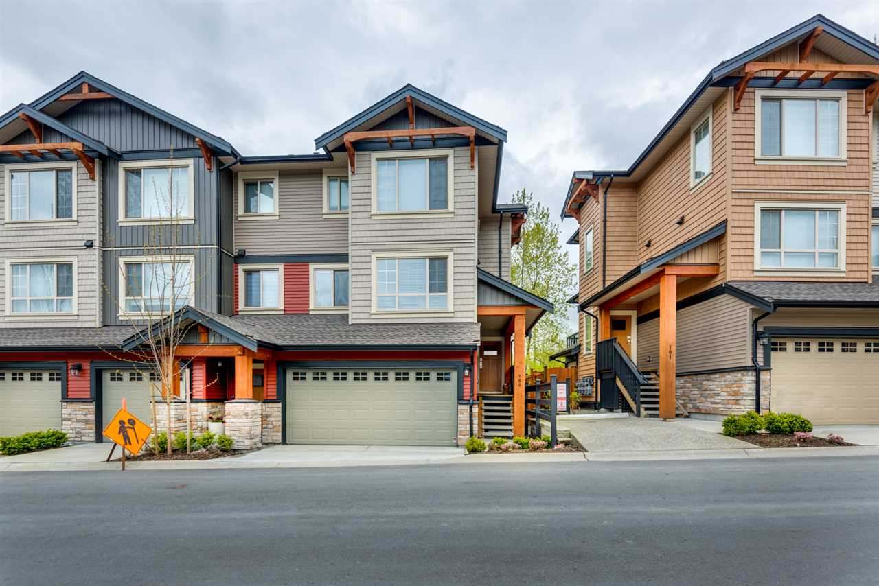 "Main Photo: 100 11305 240 Street in Maple Ridge: Cottonwood MR Townhouse for sale in ""MAPLE HEIGHTS"" : MLS® # R2161994"