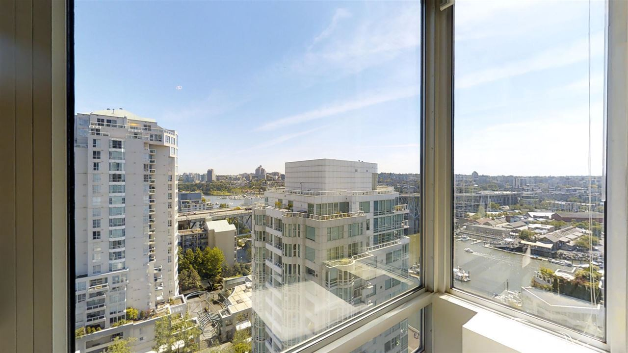 Main Photo: 2001 1500 HORNBY Street in Vancouver: Yaletown Condo for sale (Vancouver West)  : MLS(r) # R2178058