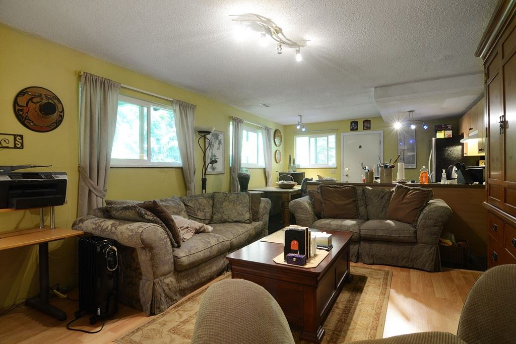 Photo 15: 1401 WINSLOW Avenue in Coquitlam: Central Coquitlam House for sale : MLS® # R2178308