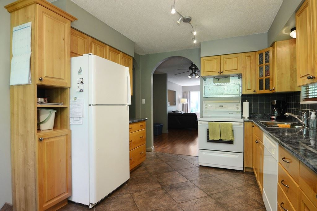 Photo 9: 1401 WINSLOW Avenue in Coquitlam: Central Coquitlam House for sale : MLS® # R2178308