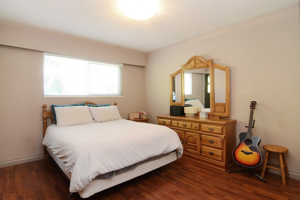 Photo 10: 1401 WINSLOW Avenue in Coquitlam: Central Coquitlam House for sale : MLS® # R2178308