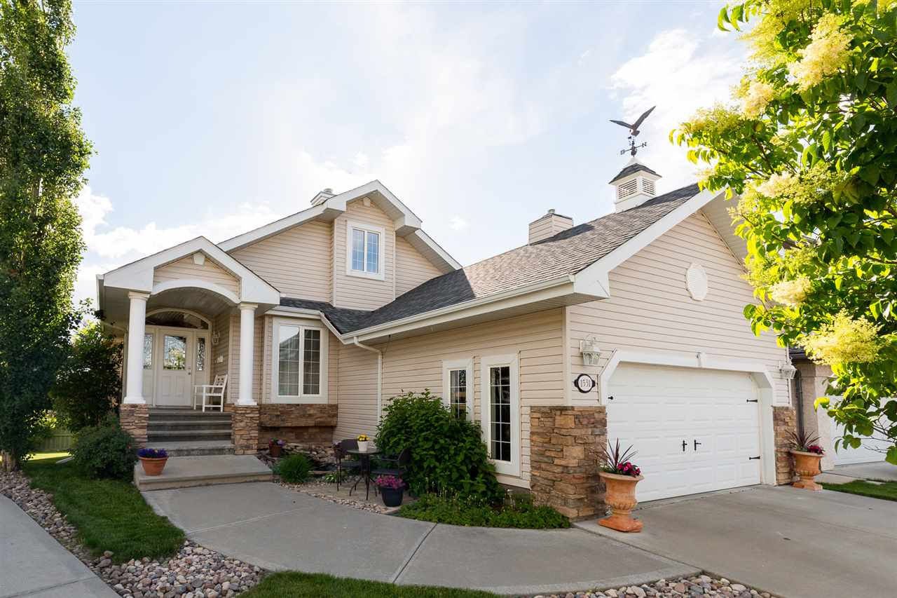 Main Photo: 1531 HASWELL Close in Edmonton: Zone 14 House for sale : MLS® # E4070660