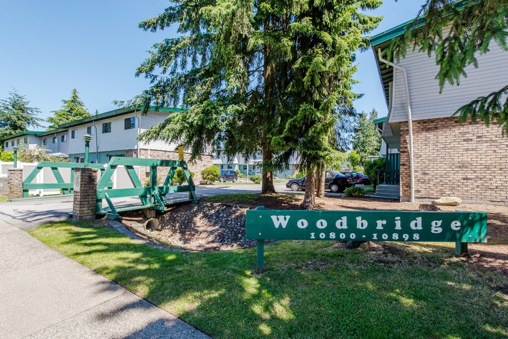 "Main Photo: 53 10836 152 Street in Surrey: Bolivar Heights Townhouse for sale in ""WOODBRIDGE"" (North Surrey)  : MLS® # R2181688"