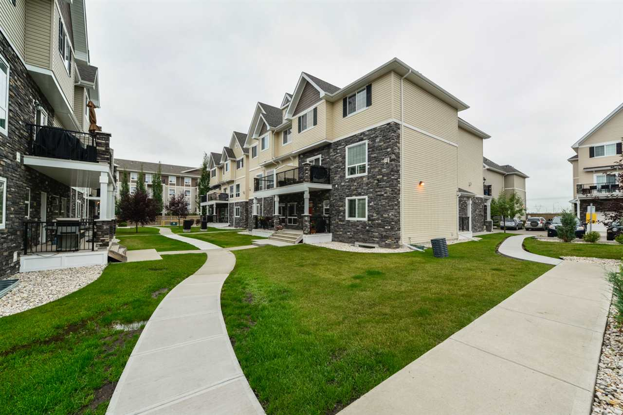 Main Photo: 70 7293 SOUTH TERWILLEGAR Drive in Edmonton: Zone 14 Townhouse for sale : MLS® # E4077091