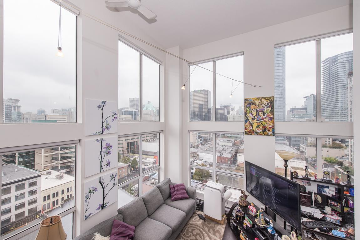 "Main Photo: 1001 933 SEYMOUR Street in Vancouver: Downtown VW Condo for sale in ""The Spot"" (Vancouver West)  : MLS® # R2212906"