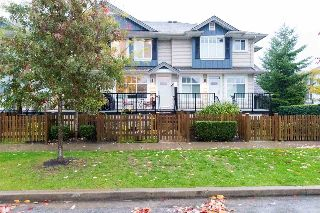 "Main Photo: 70 6956 193 Street in Surrey: Clayton Townhouse for sale in ""THE EDGE"" (Cloverdale)  : MLS® # R2215769"