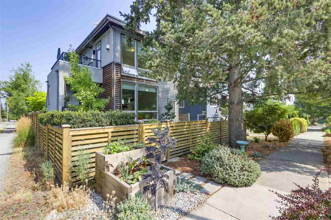 Main Photo: 419 E 36TH Avenue in Vancouver: Fraser VE House for sale (Vancouver East)  : MLS®# R2298878
