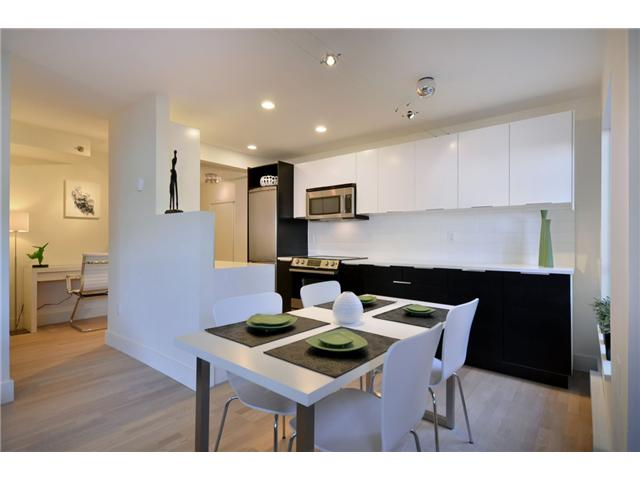 "Main Photo: 103 825 E 7TH Avenue in Vancouver: Mount Pleasant VE Condo for sale in ""MT PLEASANT MANOR"" (Vancouver East)  : MLS® # V920288"