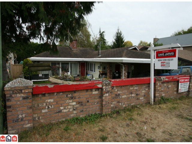 "Main Photo: 3068 MCBRIDE AV in Surrey: Crescent Bch Ocean Pk. House for sale in ""CRESCENT BEACH"" (South Surrey White Rock)  : MLS® # F1225339"