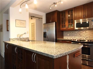 Main Photo: 305 1510 West 1st Avenue in Vancouver: Condo for sale (Vancouver West)  : MLS(r) # V921354