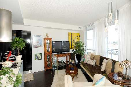 Photo 3: 7 38 Dan Leckie Way in Toronto: Waterfront Communities C1 Condo for sale (Toronto C01)  : MLS(r) # C2602663