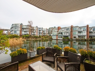 "Main Photo: 1592 ISLAND PARK Walk in Vancouver: False Creek Townhouse for sale in ""LAGOONS"" (Vancouver West)  : MLS® # V1099043"