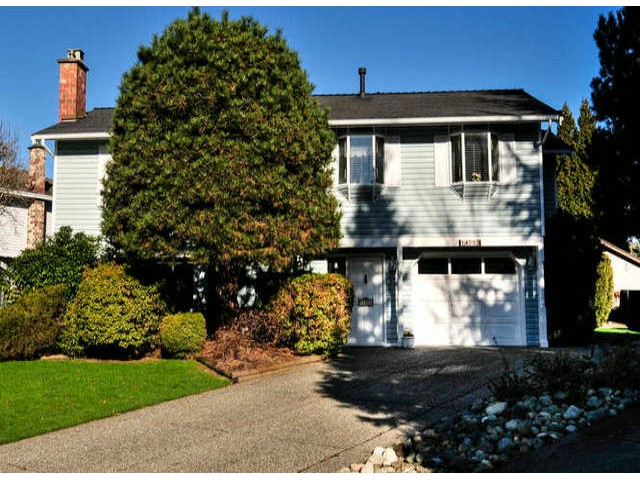 "Main Photo: 14253 18TH Avenue in Surrey: Sunnyside Park Surrey House for sale in ""OCEAN BLUFF ESTATES"" (South Surrey White Rock)  : MLS® # F1431478"