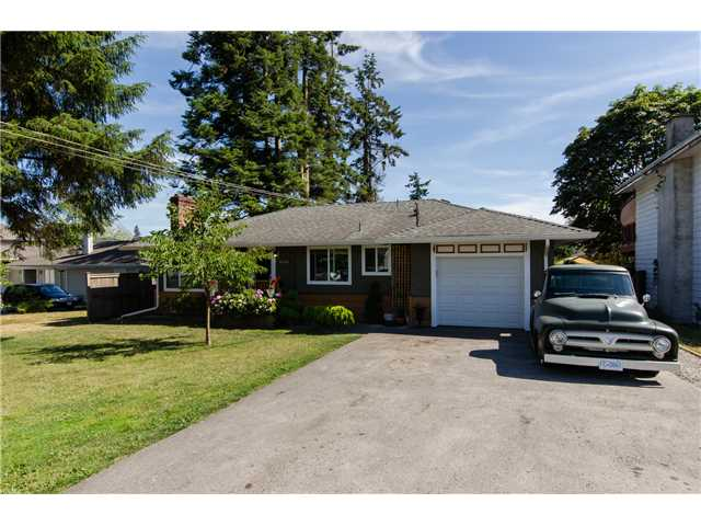 Main Photo: 17400 58A Avenue in Surrey: Cloverdale BC House for sale (Cloverdale)  : MLS® # F1447318