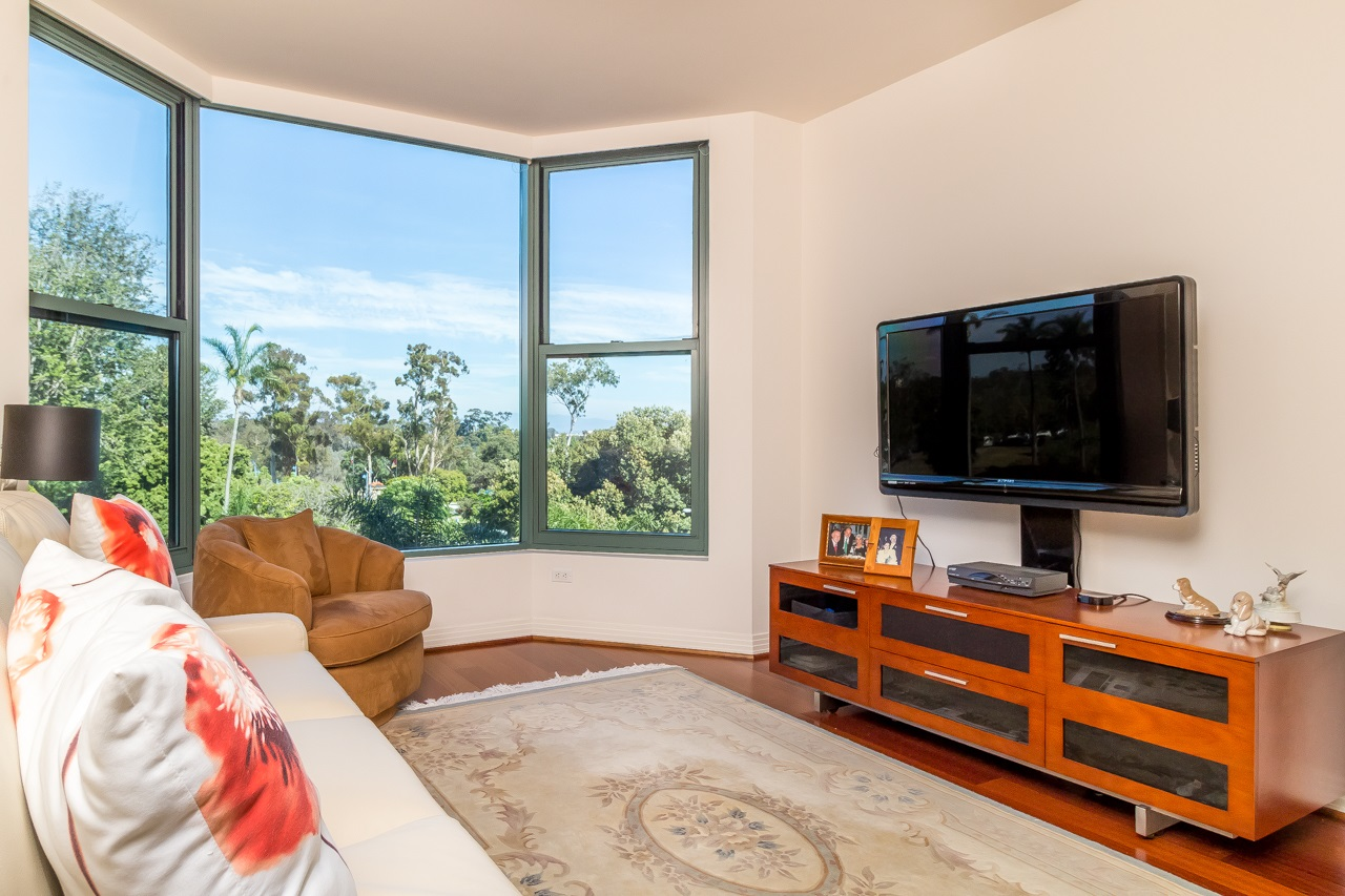 Photo 19: SAN DIEGO Condo for sale : 2 bedrooms : 2500 6th Avenue #506