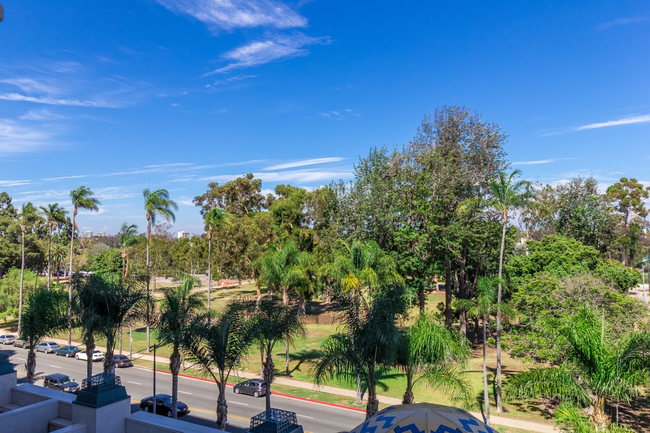 Photo 11: SAN DIEGO Condo for sale : 2 bedrooms : 2500 6th Avenue #506