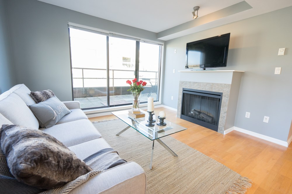 "Photo 3: 407 997 W 22ND Avenue in Vancouver: Cambie Condo for sale in ""THE CRESCENT"" (Vancouver West)  : MLS(r) # R2011235"