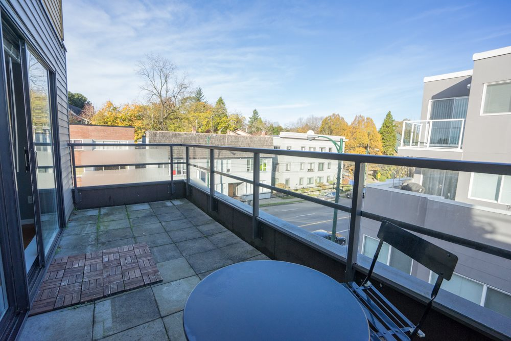 "Photo 9: 407 997 W 22ND Avenue in Vancouver: Cambie Condo for sale in ""THE CRESCENT"" (Vancouver West)  : MLS(r) # R2011235"