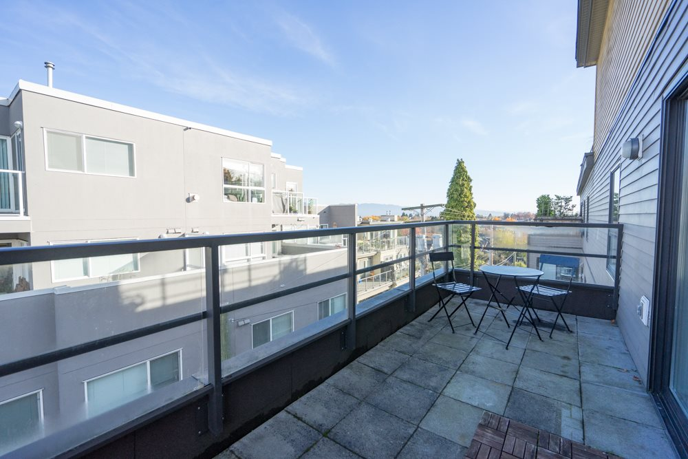 "Photo 8: 407 997 W 22ND Avenue in Vancouver: Cambie Condo for sale in ""THE CRESCENT"" (Vancouver West)  : MLS(r) # R2011235"