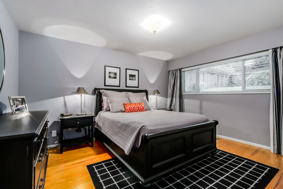 Photo 9: 1520 EDGEWATER Lane in North Vancouver: Seymour House for sale : MLS(r) # R2014059
