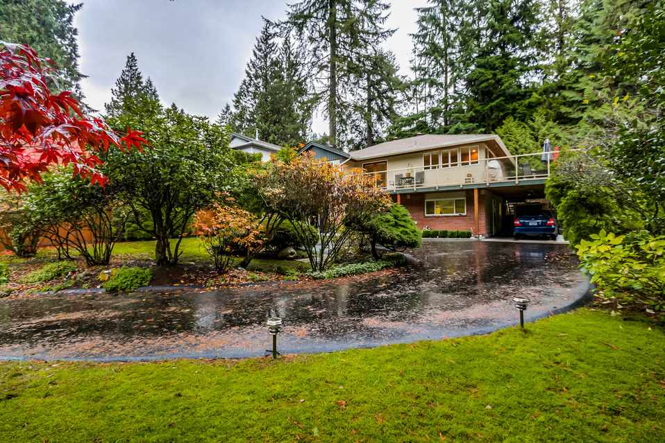 Main Photo: 1520 EDGEWATER Lane in North Vancouver: Seymour House for sale : MLS® # R2014059
